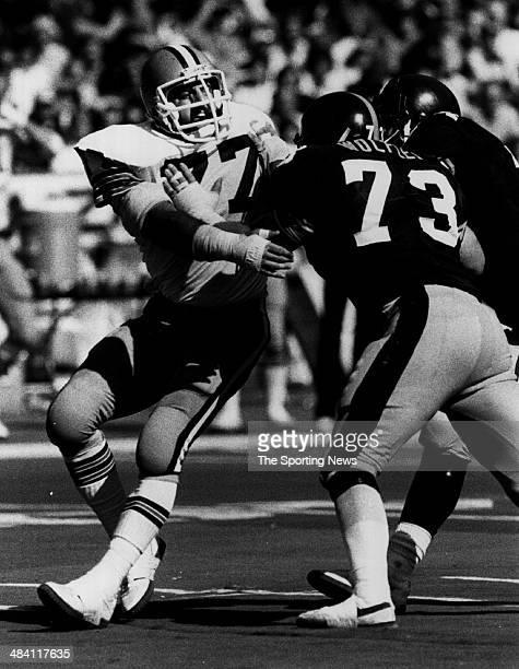Lyle Alzado of the Los Angeles Raiders is blocked circa 1980s