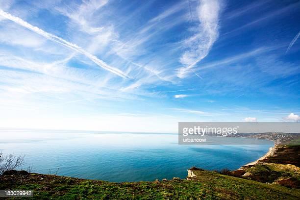 bahía de lyme - lyme regis fotografías e imágenes de stock