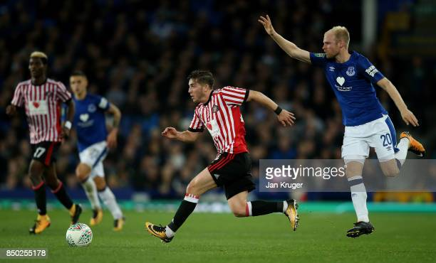 Lynden Gooch of Sunderland gets away from Davy Klaassen of Everton during the Carabao Cup Third Round match between Everton and Sunderland at...