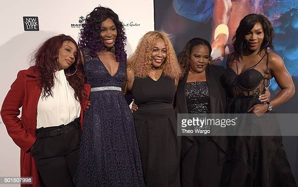 Lyndrea Price Venus Williams Oracene Price Isha Price and Serena Williams attend Sports Illustrated Sportsperson of the Year Ceremony 2015 at Pier 60...