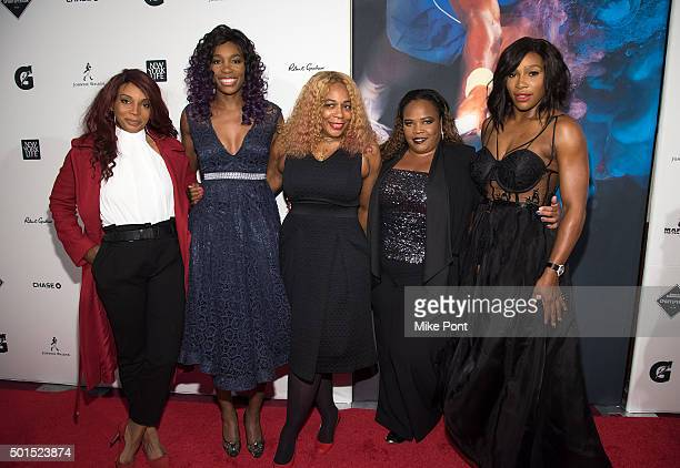 Lyndrea Price Venus Williams Oracene Price Isha Price and Serena Williams attend the 2015 Sports Illustrated Sportsperson Of The Year Ceremony at...