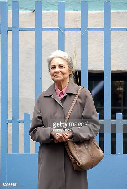 Lynn Cohen on Location for Sex and the City The Movie in Chinatown New York October 17 2007