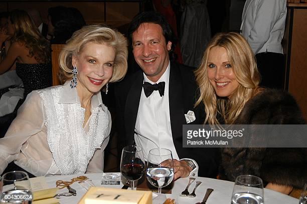 Lynn Wyatt Percy Gibson and Alana Stewart attend Vanity Fair Oscar Party at Morton's Restaurant on March 5 2006