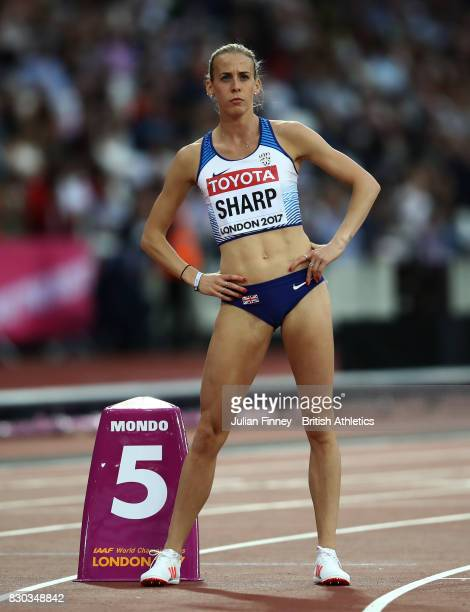 Lynsey Sharp of Great Britain prior to start of the Women's 800 metres semi finals during day eight of the 16th IAAF World Athletics Championships...
