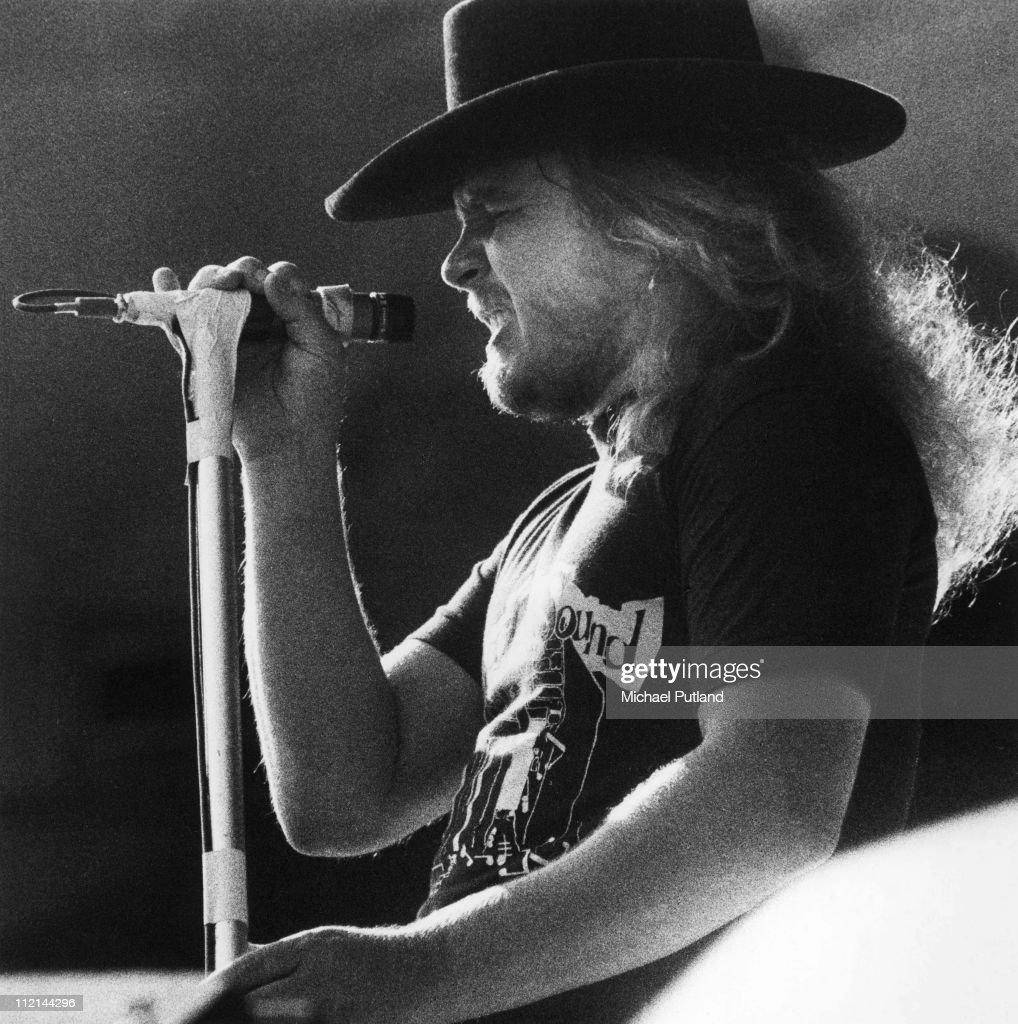 26240c372 Lynyrd Skynyrd perform on stage at Knebworth, 21sst August 1976 ...