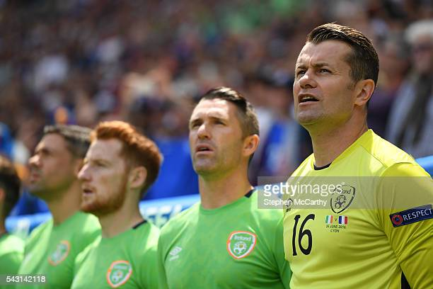 Lyon , France - 26 June 2016; The Republic of Ireland bench, from right, Shay Given, Robbie Keane and Stephen Quinn during the UEFA Euro 2016 Round...
