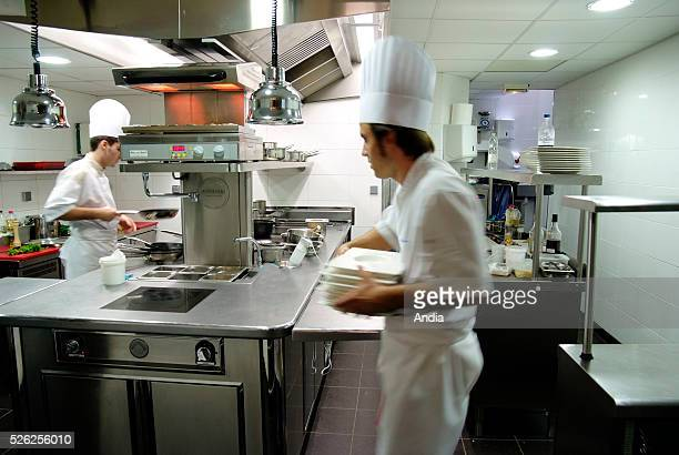 Lyon Kitchen of the restaurant 'La mere Brazier' old threeMichelinstar restaurant taken over by Chef Mathieu Viannay who was awarded two Michelin...