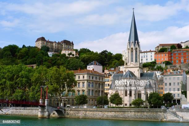 lyon urbanscape with church of st. george - lione foto e immagini stock