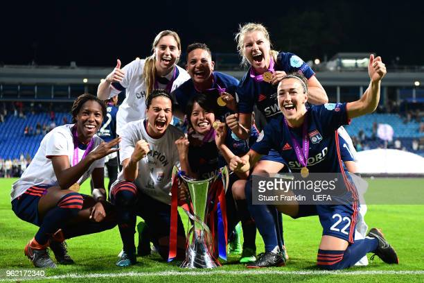 Lyone Women celebrate with the trophy after the UEFA Womens Champions League Final between VfL Wolfsburg and Olympique Lyonnais on May 24 2018 in...