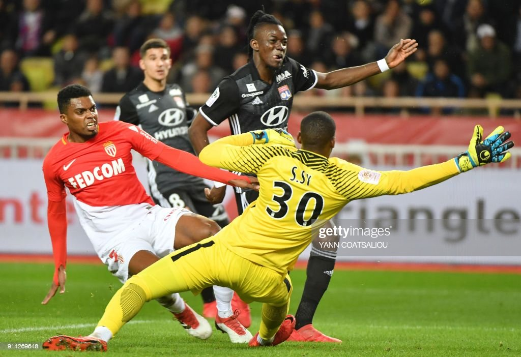 Lyon's Burkinabe forward Bertrand Traore (C) reacts after scoring a goal during the French L1 football match Monaco (ASM) vs Lyon (OL) on February 4, 2018 at Louis II stadium in Monaco. /