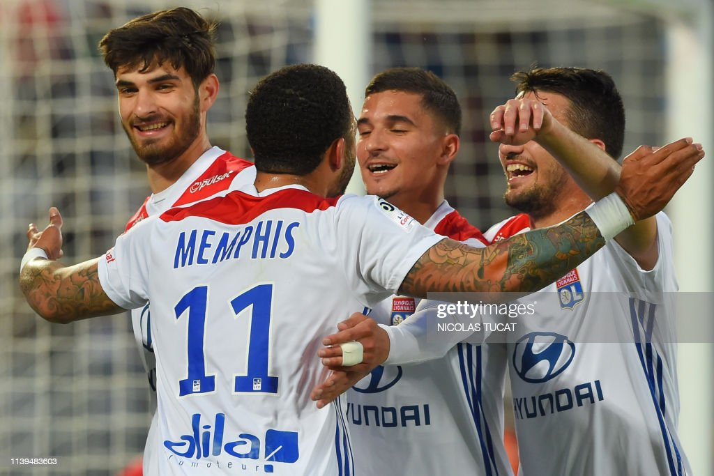 FBL-FRA-LIGUE1-BORDEAUX-LYON : News Photo