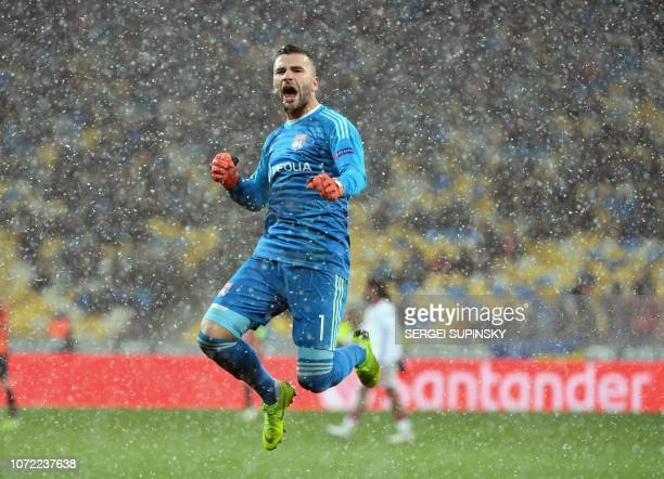 Lyon's Portuguese goalkeeper Anthony Lopes reacts after the UEFA Champions League Groupe F football match FC Shakhtar Donetsk and Olympique Lyonnais...