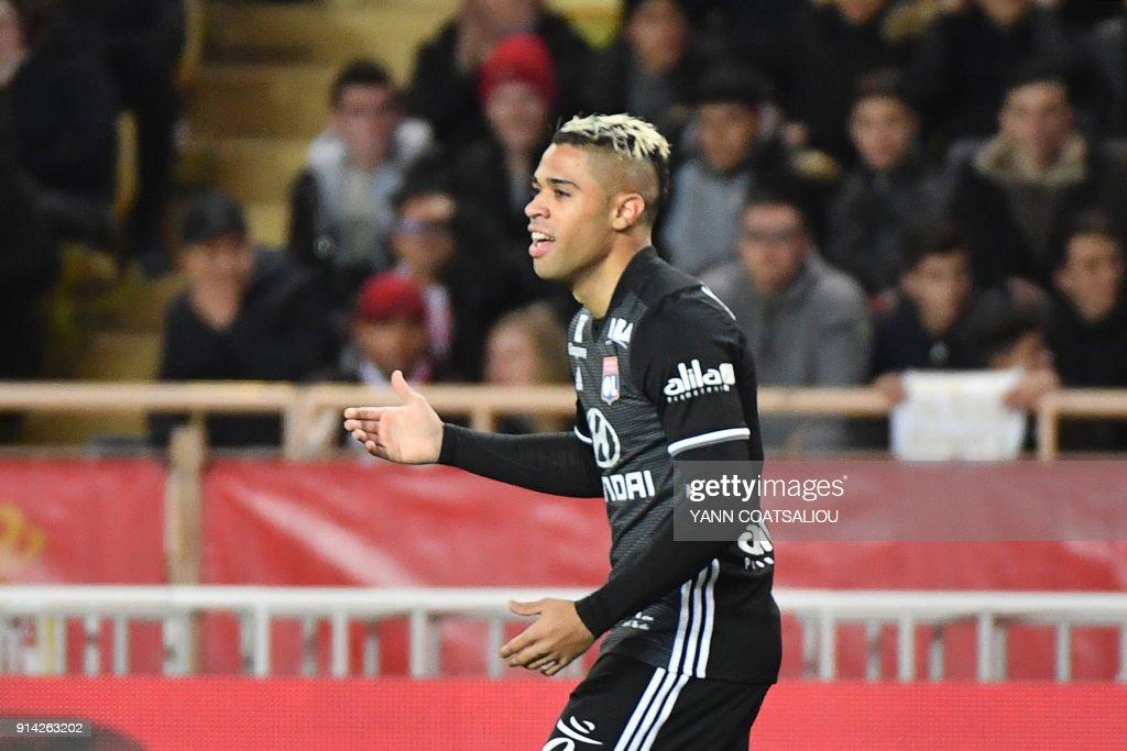 Lyon's Spanish forward Mariano Diaz celebrates after scoring a goal during the French L1 football match Monaco (ASM) vs Lyon (OL) on February 4, 2018 at Louis II stadium in Monaco. /