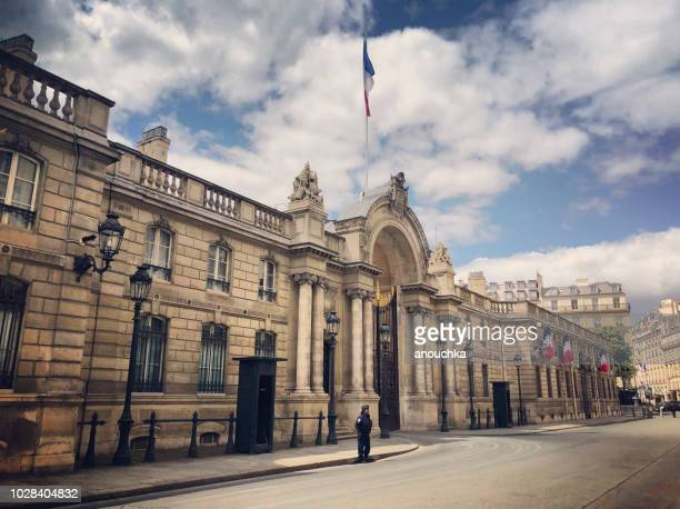 élysée palace with police around, paris, france - palace stock pictures, royalty-free photos & images