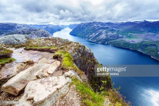 プリケストレン近くのライセフィヨルド(ノルウェー) - ローガラン県 ストックフォトと画像