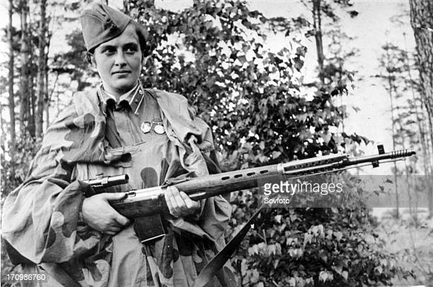 Lyudmila pavlichenko famous 26 year old russian guerrilla sniper who has killed 309 germans for which she was made a senior lieutenant and given the...