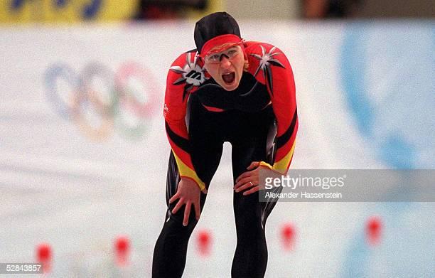 EISSCHNELLAUF NAGANO 1998 3000 m Frauen 110298 Claudia PECHSTEIN SILBER MEDAILLE SILBERMEDAILLE