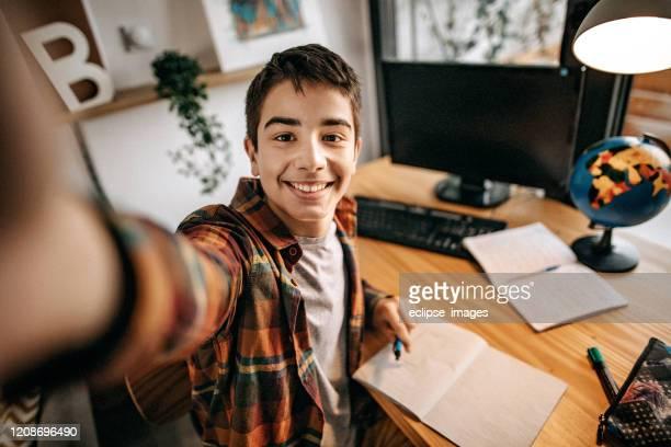 sto studiando - selfie foto e immagini stock