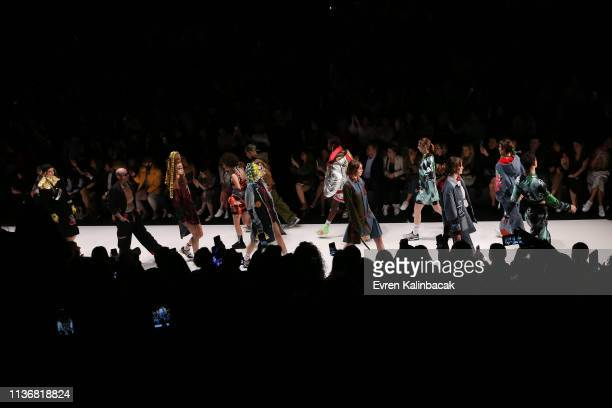 m the runway at the DB Berdan show during MercedesBenz Istanbul Fashion Week at the Zorlu Performance Hall on March 19 2019 in Istanbul Turkey