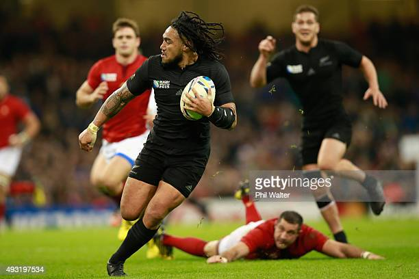 Maa Nonu of the All Blacks makes a break during the 2015 Rugby World Cup Quarter Final match between New Zealand and France at Millennium Stadium on...