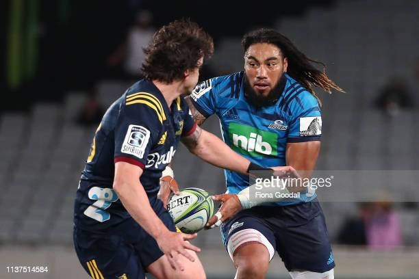 Ma'a Nonu of the Blues looks to pass during the round six Super Rugby match between the Blues and the Highlanders at Eden Park on March 22, 2019 in...