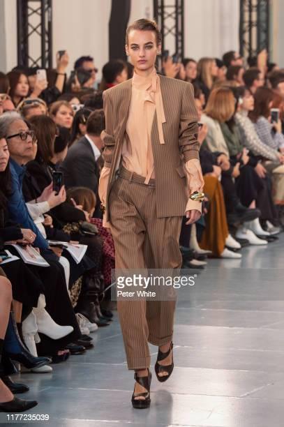 Maartje Verhoef walks the runway during the Chloe Womenswear Spring/Summer 2020 show as part of Paris Fashion Week on September 26, 2019 in Paris,...