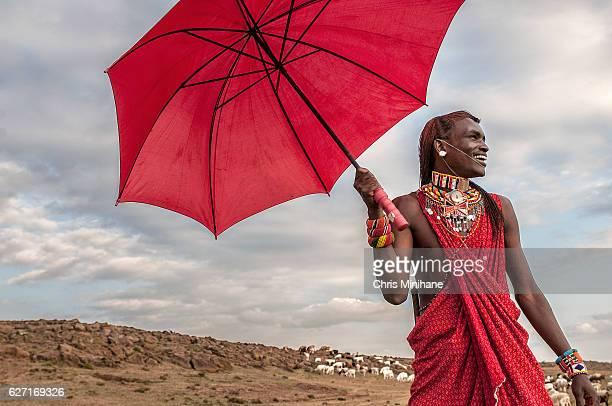 maasai warrior smiling in traditional dress - kenya - nairobi stock pictures, royalty-free photos & images