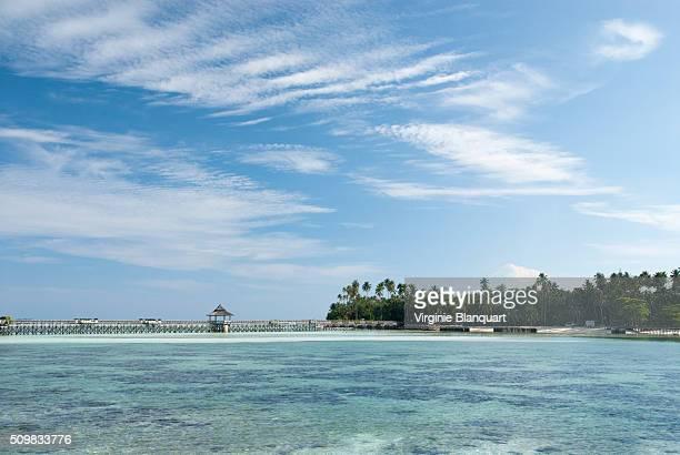 mabul island off the south-eastern coast of sabah in malaysia - ilha de mabul imagens e fotografias de stock