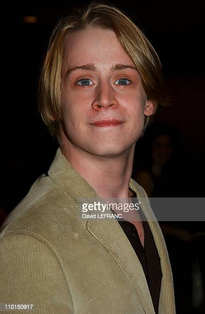 Macaulay Culkin at the Museum of Modern Art for 'A Work in Progress An evening with David Russell' in New York United States on April 10 2002 A work...