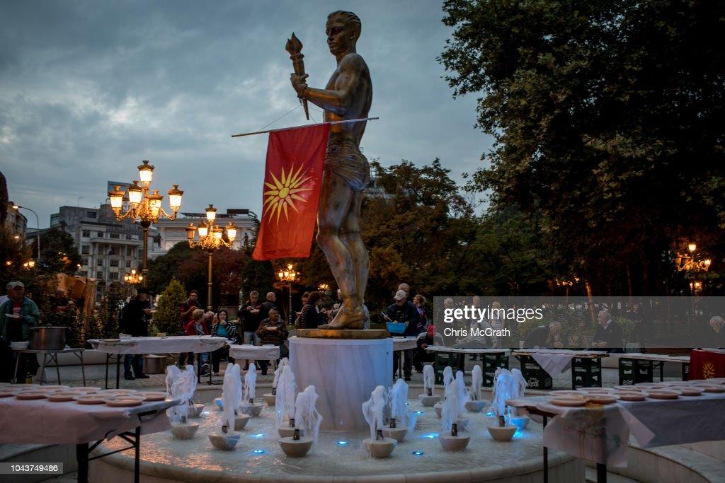 Macedonians Vote in Name-Change Referendum : News Photo