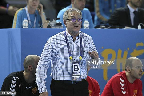 Macedonia's head coach Cervar Lino talks to his players during the 25th IHF Men's World Championship 2017 Group B handball match Macedonia vs Tunisia...