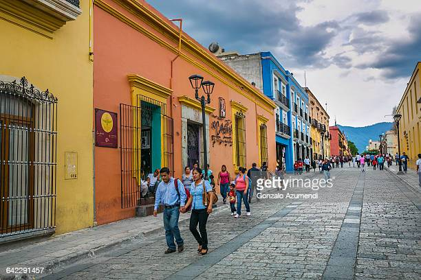 macedonio alcala street in oaxaca - oaxaca stock pictures, royalty-free photos & images