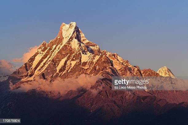 machapuchare (fishtail) - machapuchare stock photos and pictures