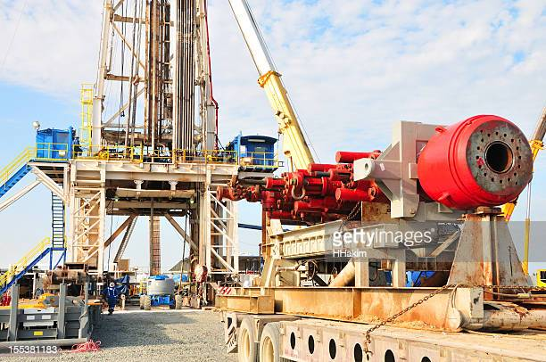 Machinery Installing blowout preventer stack