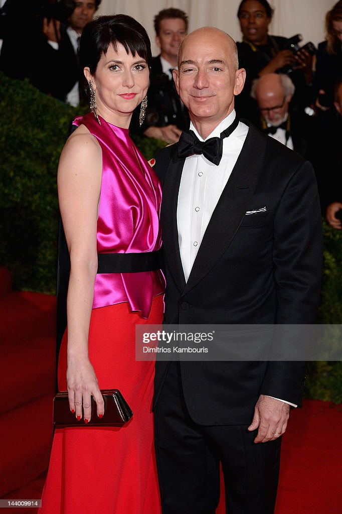 """Schiaparelli And Prada: Impossible Conversations"" Costume Institute Gala : News Photo"