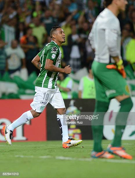 Macnelly Torres of Atletico Nacional celebrates after scoring the during a second leg match between Atletico Nacional and Rosario Central as part of...