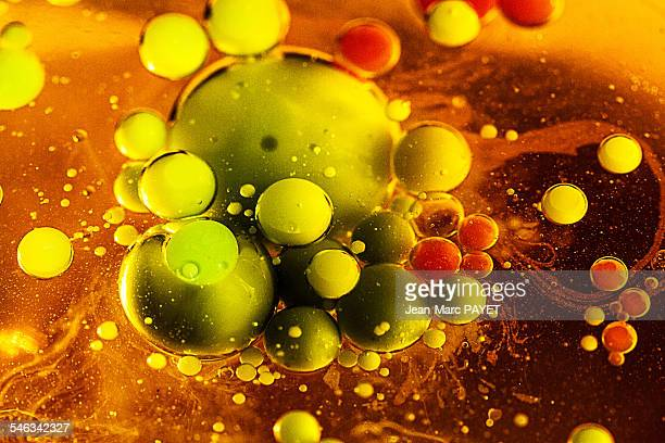macro bubbles - jean marc payet stock pictures, royalty-free photos & images