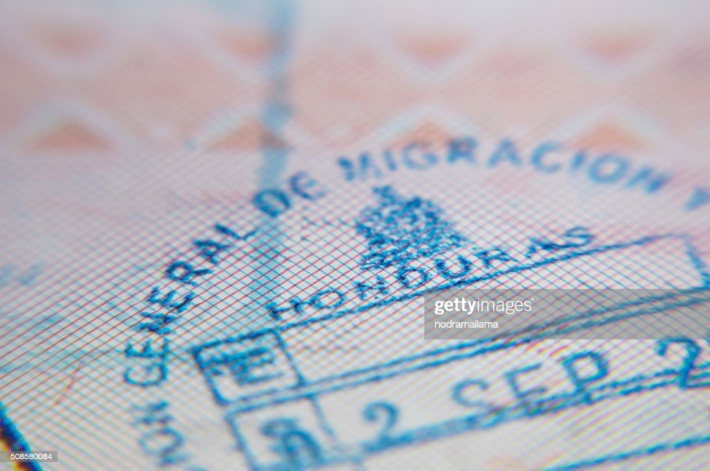 Macro of arrival stamp of Honduras in passport : Stockfoto