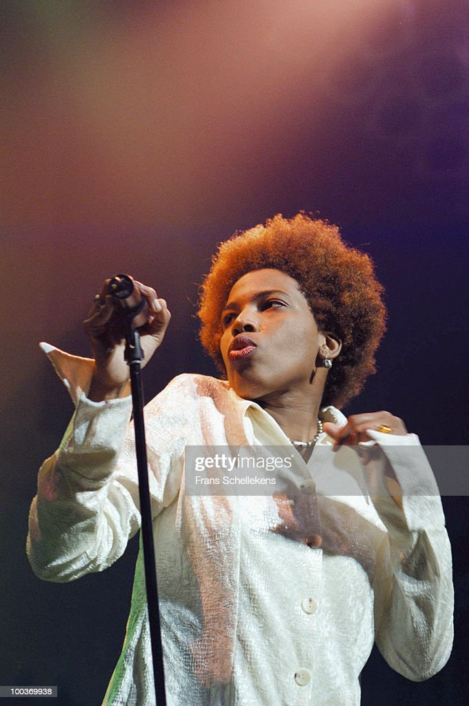 Macy Gray performs live on stage at Paradiso in Amsterdam, Netherlands on December 06 1999