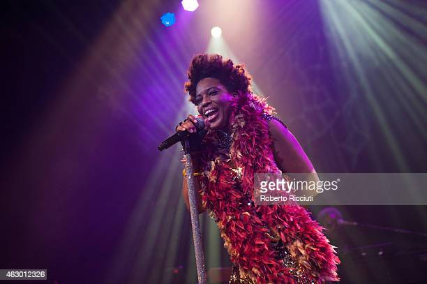 Macy Gray performs on stage at O2 ABC Glasgow on February 8, 2015 in Glasgow, United Kingdom.