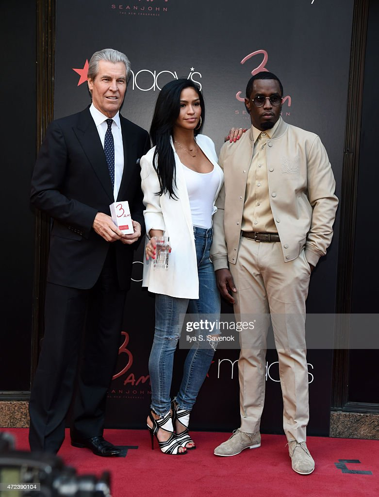 ¿Cuánto mide Cassie Ventura? - Real height Macys-chairman-and-ceo-terry-lundgren-cassie-ventura-and-sean-diddy-picture-id472390104