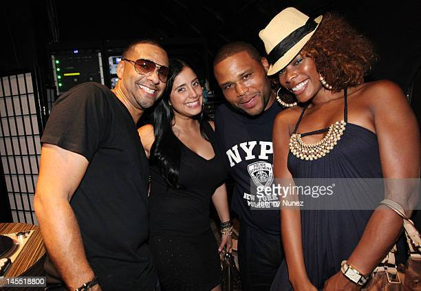 DJ Mad Linx Laura Stylez Anthony Anderson and K Foxx attend the NY Giants Justin Tuck 4th Annual celebrity billiards tournament at Slate NYC on May...
