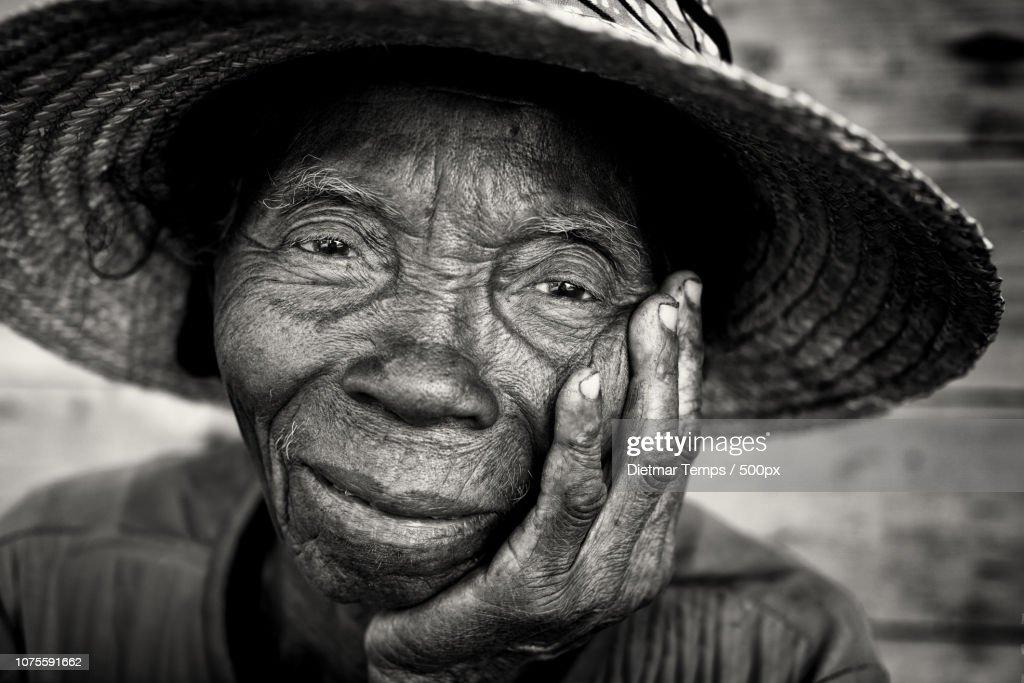 Madagascar, old lady : Stock-Foto