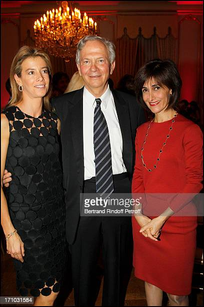 "Madame Brice Hortefeux , Professor Claude Jasmin, Dina Kawar at Dinner At Hotel Dassault In Benefit Of Association ""Vaincre Le Cancer""."