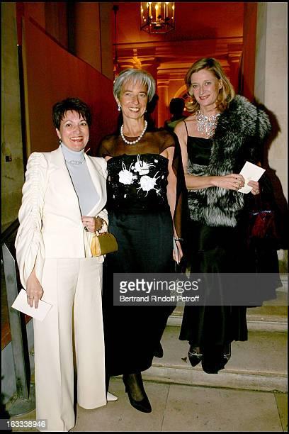 Madame Jean Pierre Raffarin Christine Lagarde and Isabelle Barnier at the Gala Evening La Nuit Internationale De L'Enfance At Chateau De Versailles