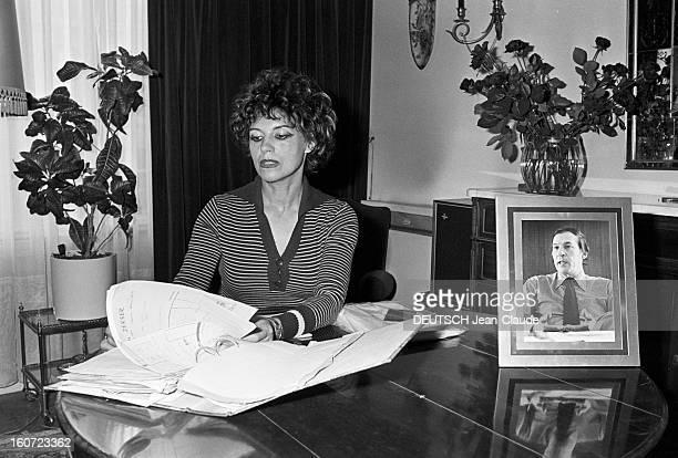 Madame Lemarchand Former Bride Of Roger Borniche En France portrait en intérieur de madame LEMARCHAND exfiancée du policier et écrivain Roger...
