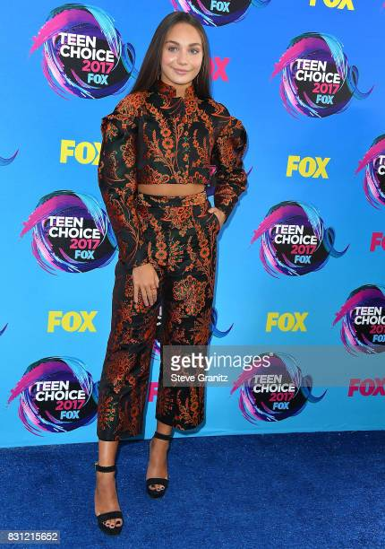 Maddie Ziegler arrives at the Teen Choice Awards 2017 at Galen Center on August 13 2017 in Los Angeles California