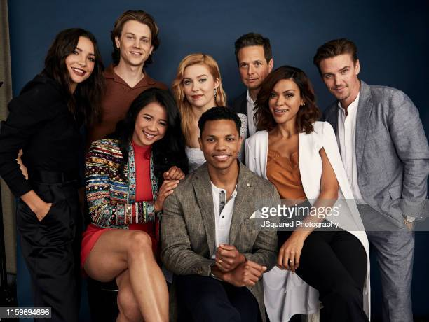 Maddison Jaizani Alex Saxon Kennedy McMann Scott Wolf Riley Smith Leah Lewis Tunji Kasim and Alvina August of The CW's 'Nancy Drew' pose for a...