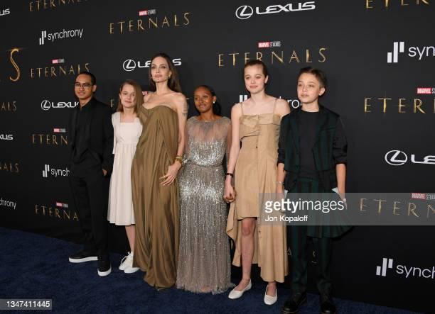 Maddox Jolie-Pitt, Vivienne Jolie-Pitt, Angelina Jolie, Zahara Jolie-Pitt, Shiloh Jolie-Pitt, and Knox Jolie-Pitt arrive for the World Premiere of...