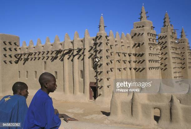 Made out of banco Djenne Mosque is the largest earthmade building in the world and one of the most impressive example of Sudanese architecture The...